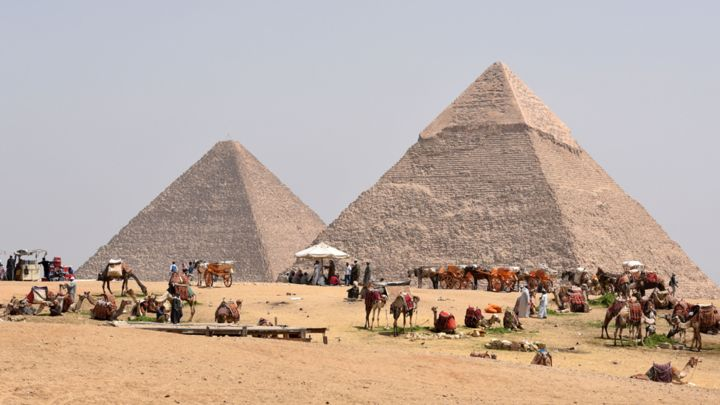 Saudi Prince Rents Out The Pyramids Of Giza For $40 Million To Propose To His Girlfriend